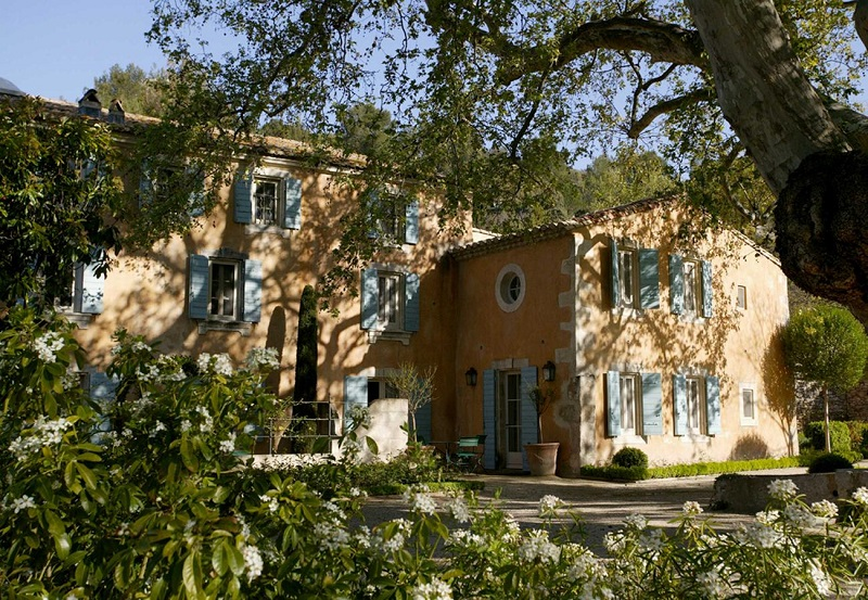 Chateau Baumaniere Wedding venue in Provence